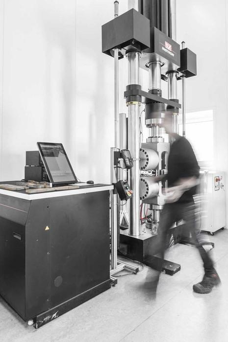 FORMARIS-fotografie-Steel-Test-Lab-04.jp