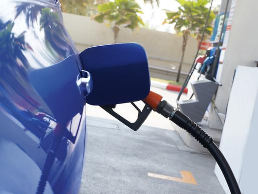 Quais as vantagens e desvantagens de abastecer com etanol?