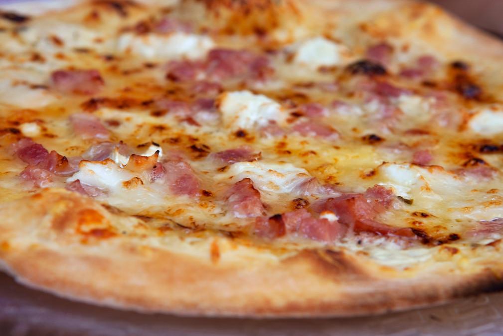 focus-on-a-pizza-PUXEVGN (1).jpg