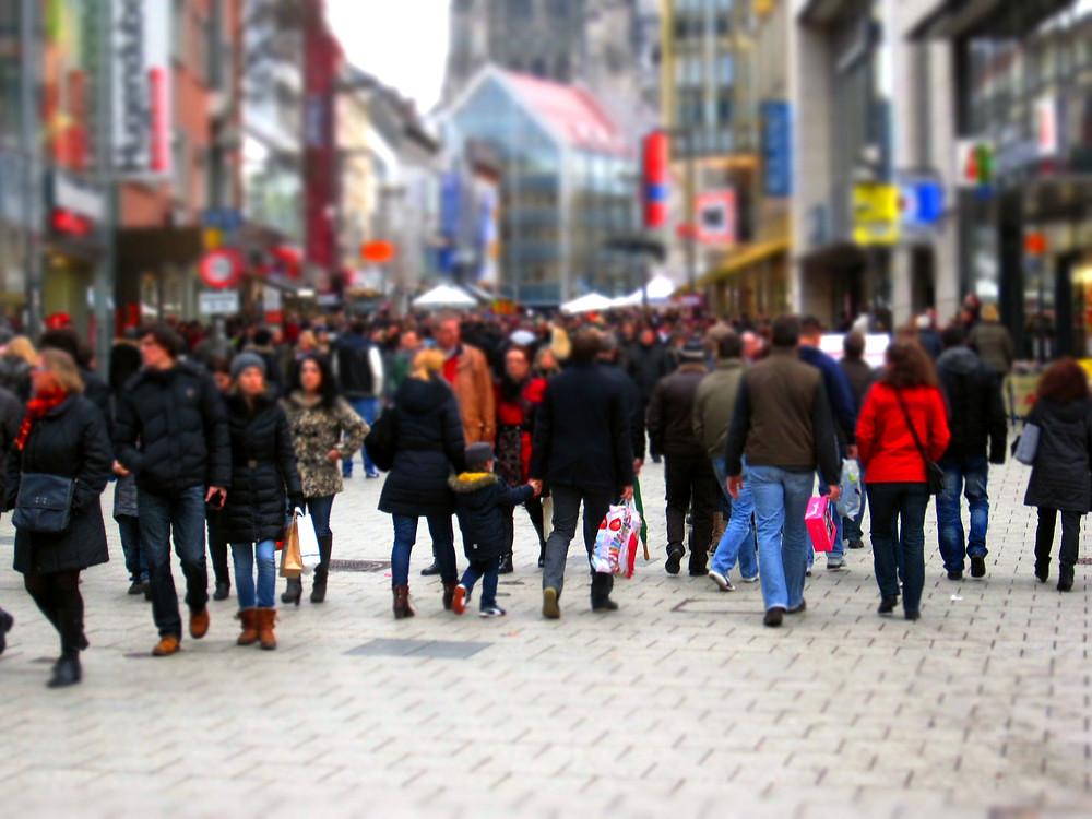 Christmas shopping on the high street 2020