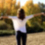 respirer-femme-dos-forêt.jpg