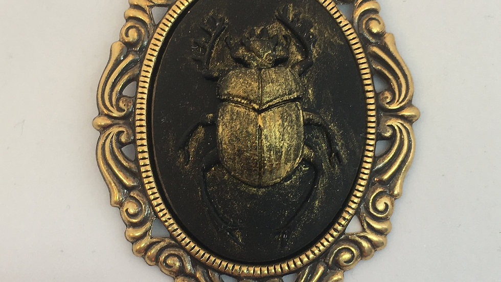 Gold Antiqed Scarab Cameo (brass setting)