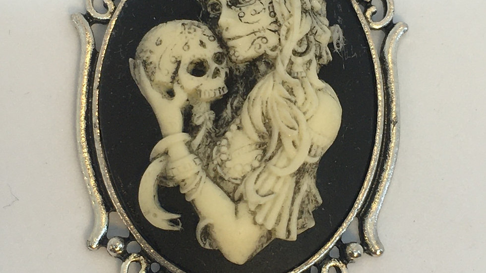Day of the Dead Cameo (silver setting)
