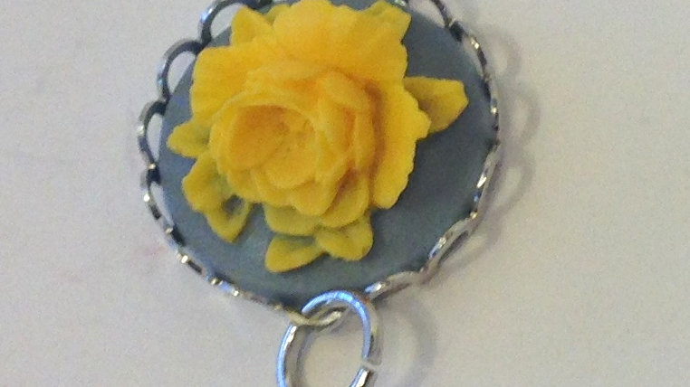 Yellow Rose on Grey Mini Cameo