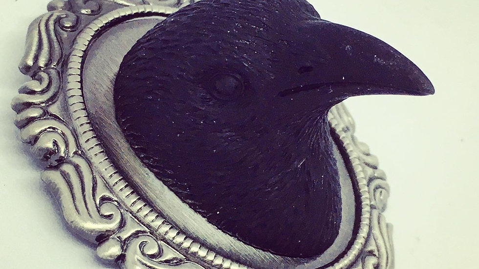 Raven Cameo Pin