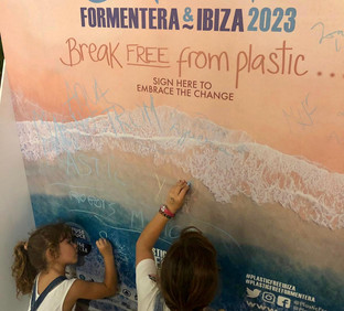 CLIENT: Plastic Free ibiza & Formentera  'BECOME A STAR'  2019 Ibiza, Spain  Enviroinmental Awareness Campaign  We translated the Plastic Free Certification for companies in Ibiza and Formentera, into an integrated concept and visual graphics. These graphics where employed for: events,decorations, leaflets, social and web pages and drove many positive results, grabbing the attention of the media and companies, who felt inspired to join the change.  IBILANDERS Giada Forneris: concept and project direction; Camila Mejia: creative graphicdesign.