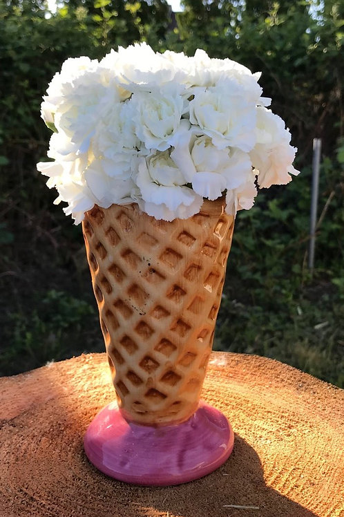 A great arrangement for all the Ice Cream lovers in you life.