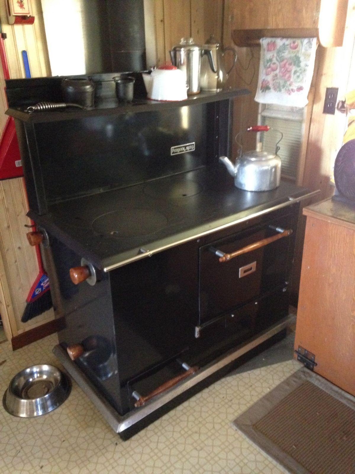 1980's pioneer wood stove