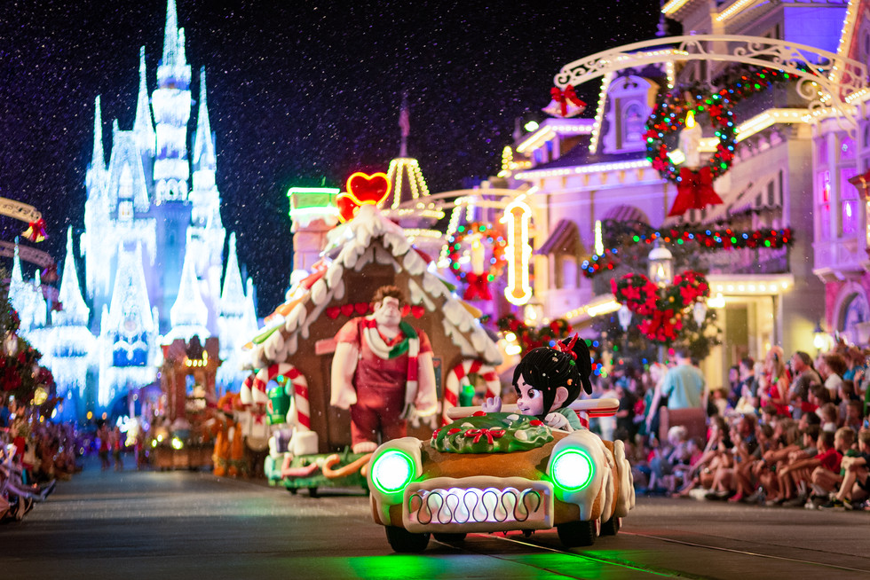 Client: WDW Magazine | Mickey's Very Merry Christmas Party creative theme park photography