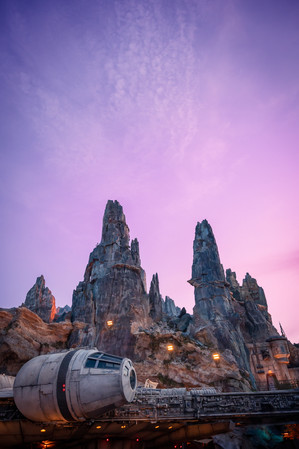 Personal Project | Star Wars Galaxy's Edge creative theme park photography