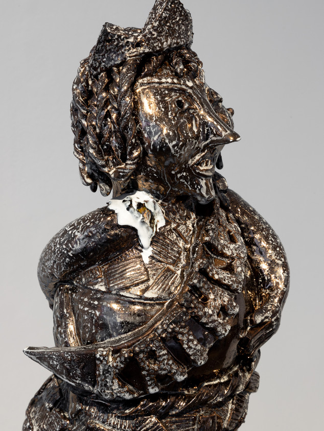 Kathleen the Second (2020), approx. 25 x 25 x 60 cm, glazed ceramic, metal.Image courtesy Jules Lister