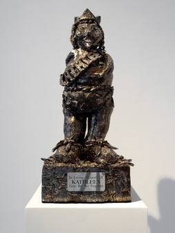 Kathleen the Second (2020), approx. 25 x 25 x 60 cm, glazed ceramic, metal. Image courtesy Jules Lister