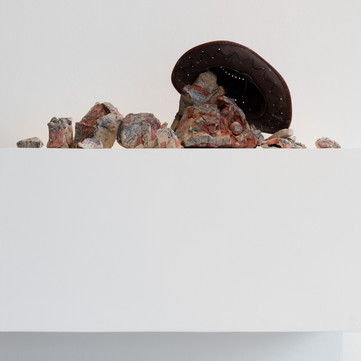 Nevada Smith (1966) (2020), approx. 100 x 35 x 50 cm, air-dried clay and found objects. Image courtesy Jules Lister