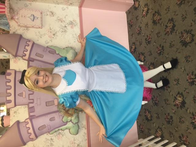 Mai as Alice