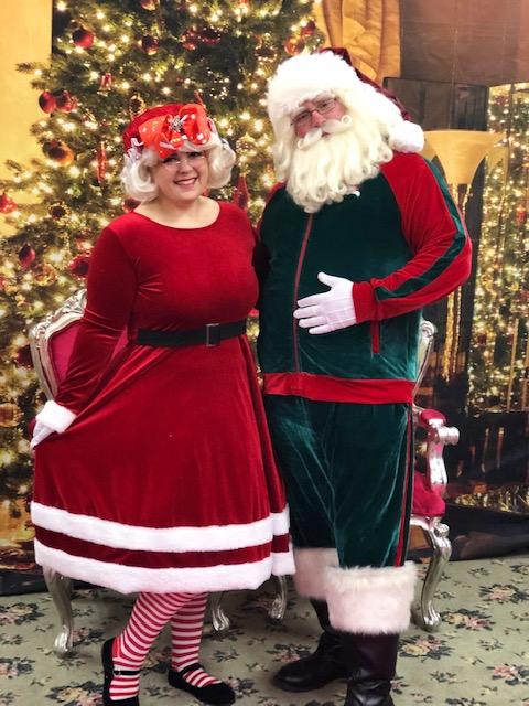 Santa Craig & Aley as Mrs