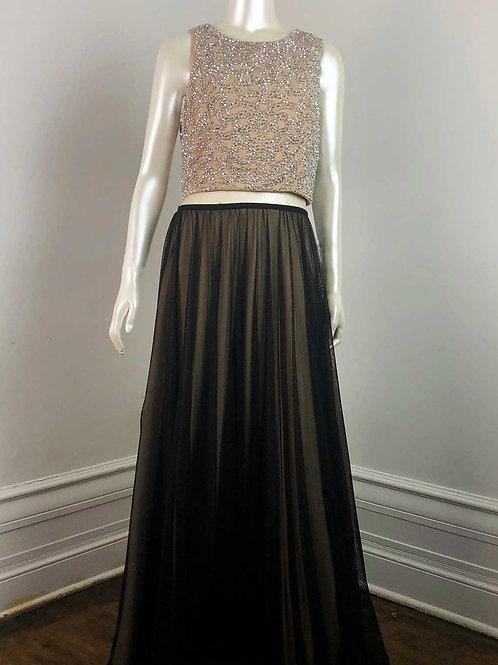 Cachet Gown - Medium/Large