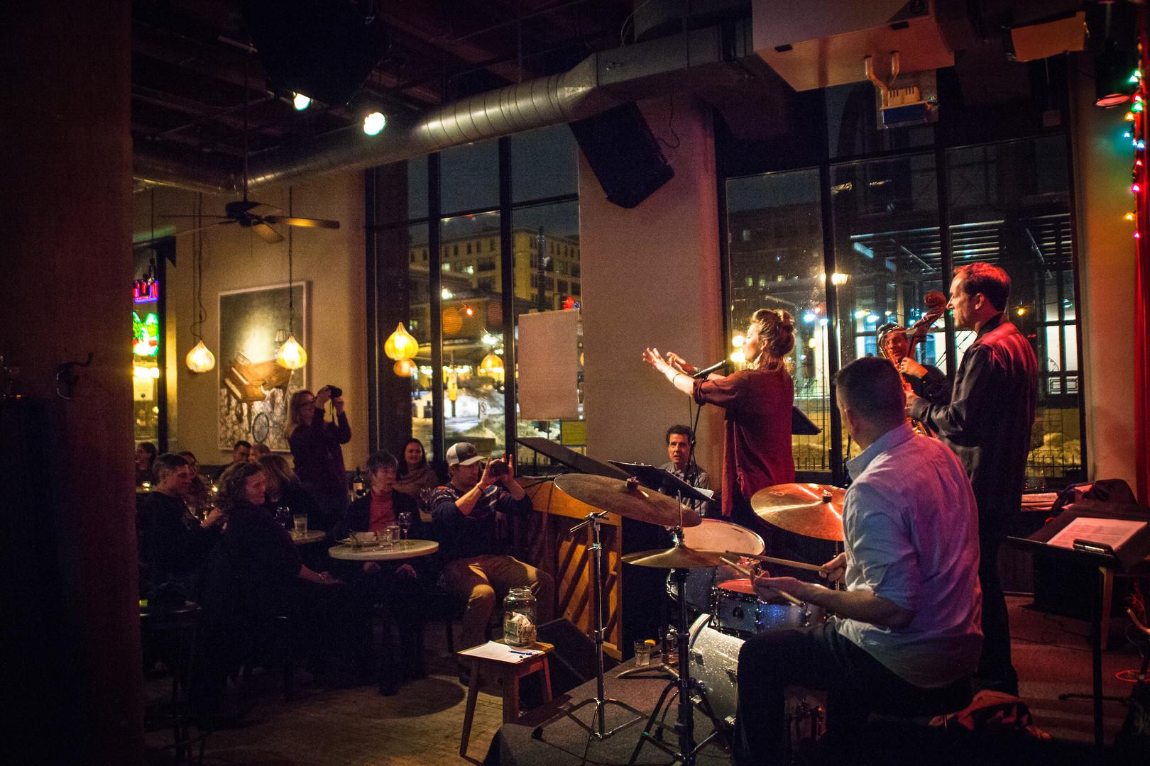 christina pawlowski, christina and the 612's, black dog cafe, lowertown st. paul, jazzsoul, jazz vocalist