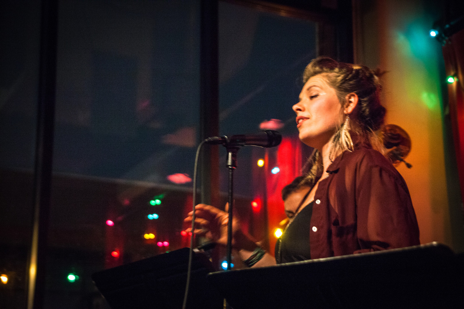christina pawlowski, christina and the 612's, black dog cafe, lowertown st. paul, lowertown jazz, twin cities jazz singers, up and coming singers