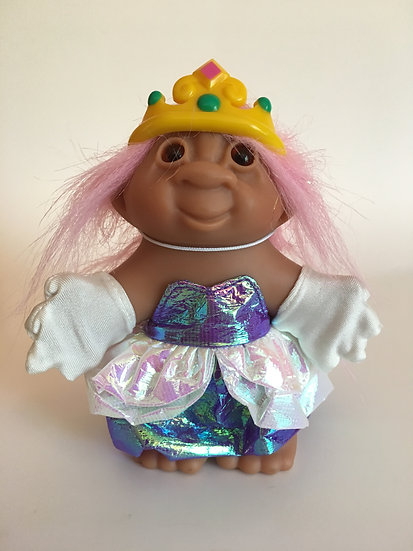 Prom Queen Troll