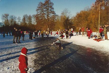 Curling på sø, januar 1997.jpg