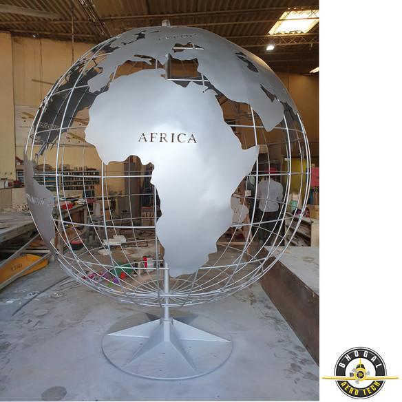 Globe 3.jpg