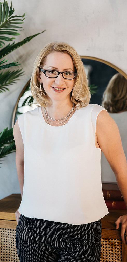 Viktoria Vigh Mississauga Social Worker and Psychotherpist