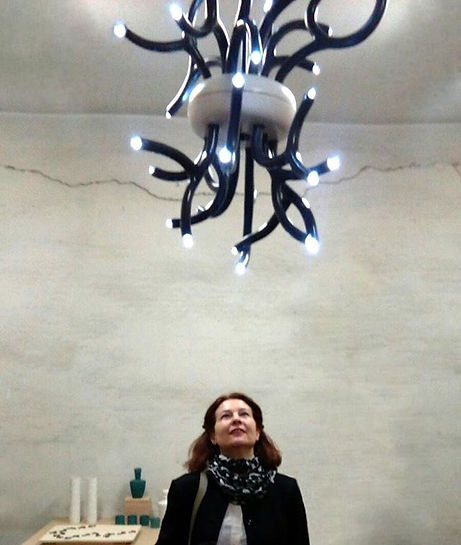 La lámpara Anémonas que vió la luz en Milán Design Week 2017 vuelve a exponerse próximamen