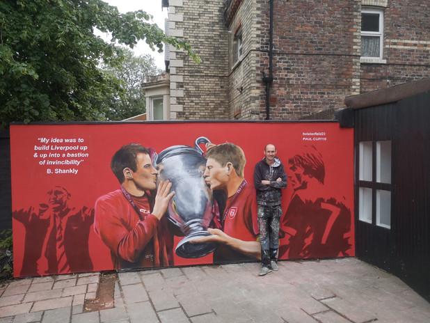 Gerrard and Carra mural