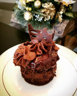Mini Supreme Chocolate Cake with Chocolate Mousse Filling