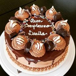 Chocolate birthday cake10