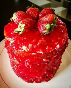 Strawberry Dream Cream Cake