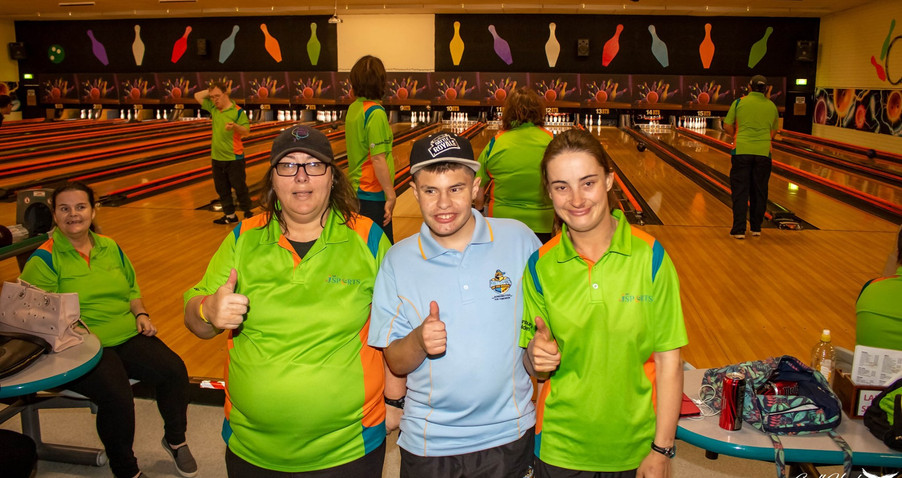 Tenpin bowling 3.jpg
