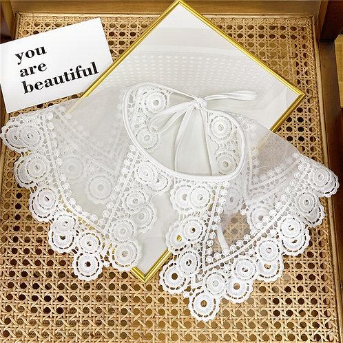 Circle Flower White Collar