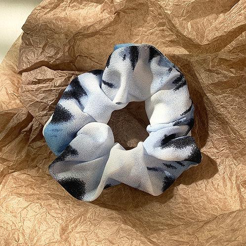 Tye Scrunchie Blue