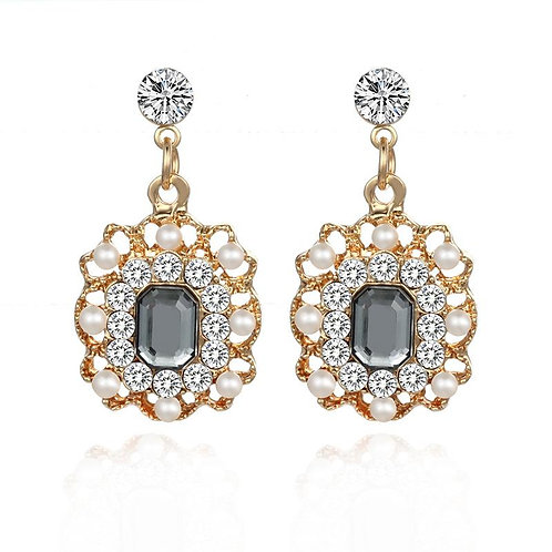 Ellia Grey Earring