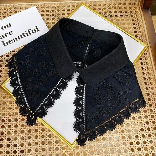 Petal Lace Black Collar