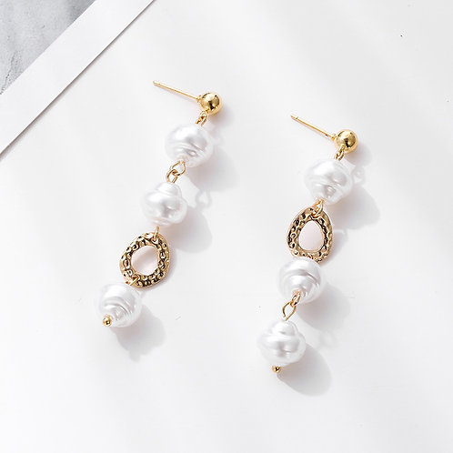 Louise Pearl Drop Earring