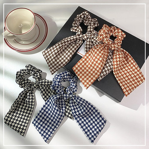 Gingham Tail Scrunchie