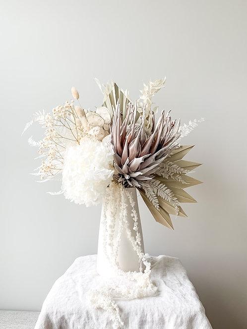 Dried arrangement in Blanca Ceramic