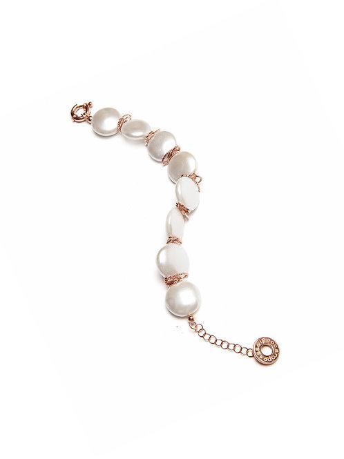 Bracciale con perle fiume su argento placato oro rosa
