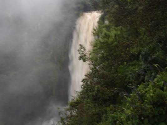 Excursión a Thompson Falls (Cuando pase la tormenta)