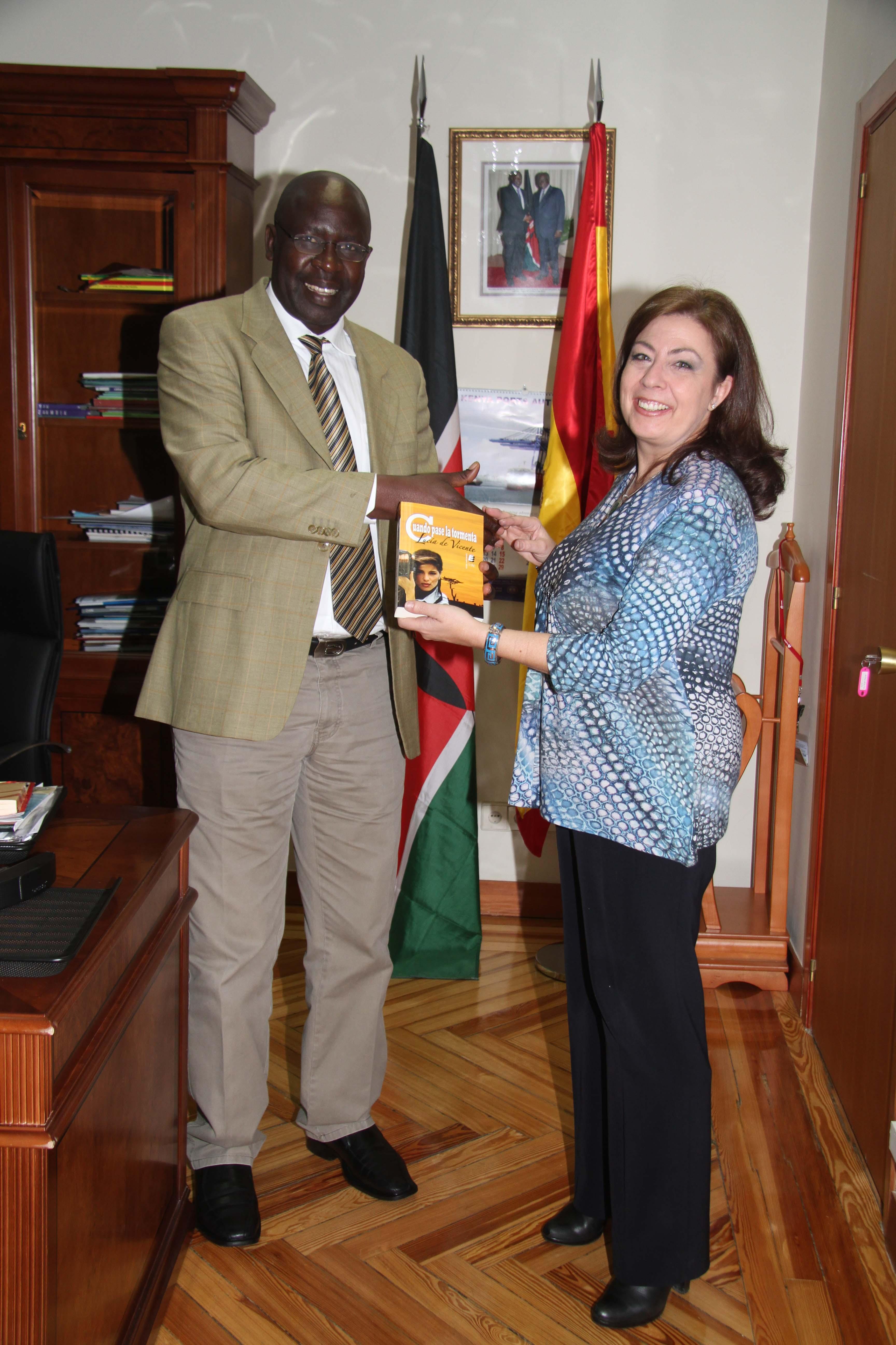 Embajada de Kenya-Lucía de Vicente