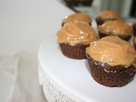 Healthy Chocolate Cupcakes with Dreamy Peanut Butter Frosting (Gluten Free & Vegan)