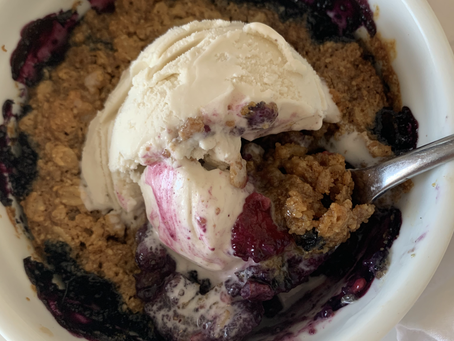 Healthy Single Serve Berry Crumble (vegan, gf, + nut free)