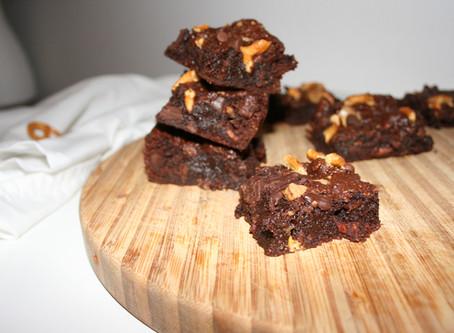 Salted Caramel Pretzel Brownies (Paleo & Vegan)