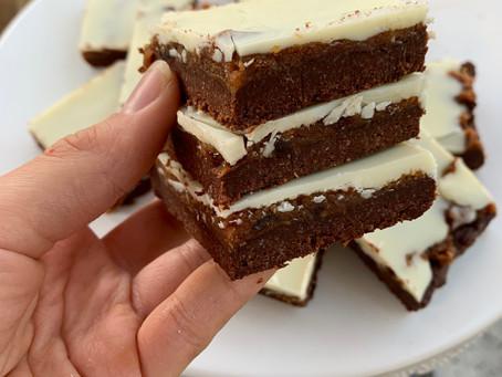No-Bake Reverse Millionaire Shortbread Bars (Paleo w/ Vegan-Option)
