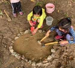 Creative mud play