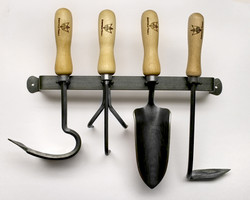 4 TOOL SET WITH RACK
