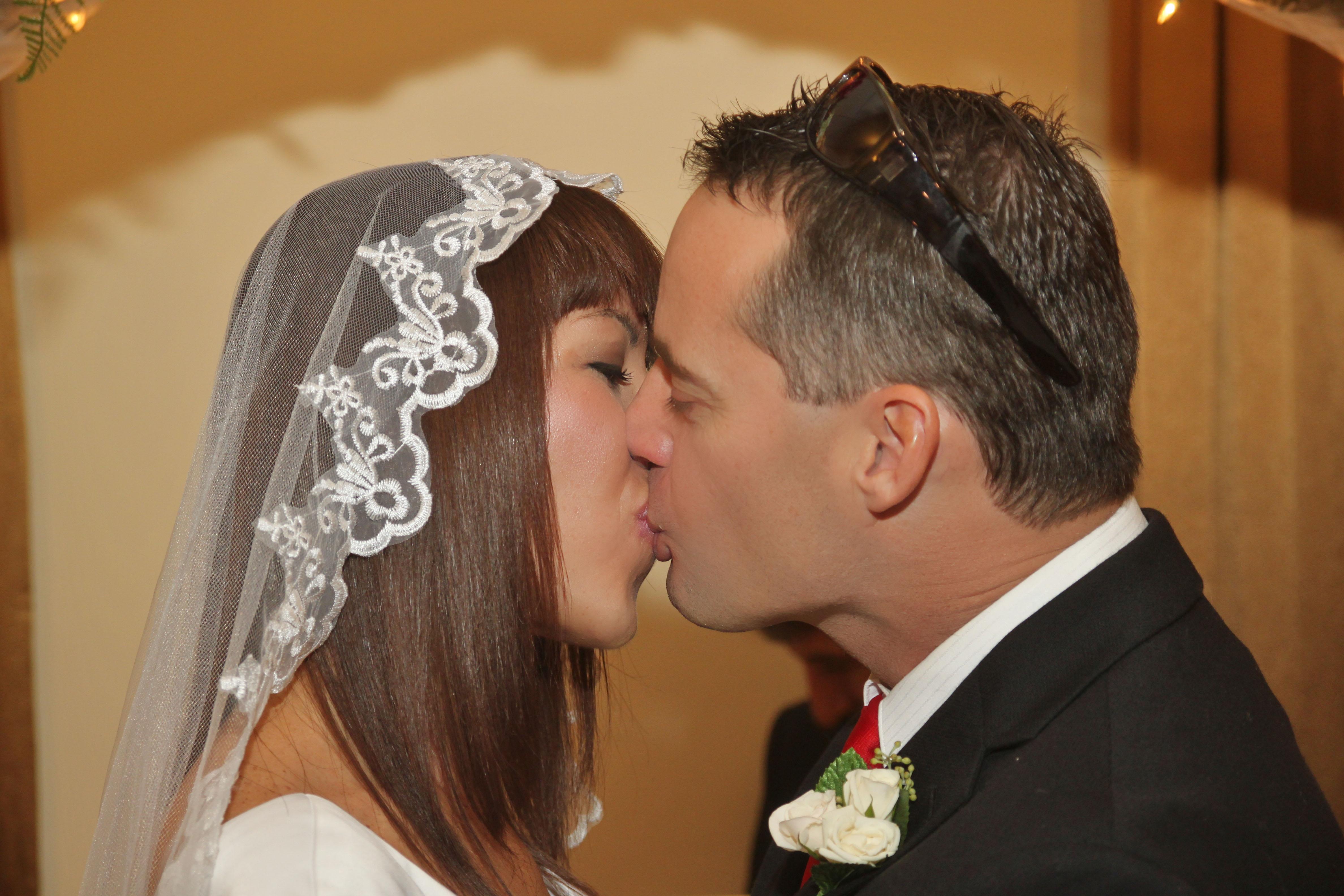 husband wife first kiss