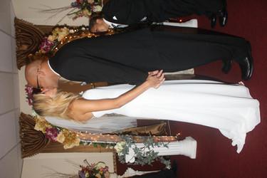 wedding kiss chapel